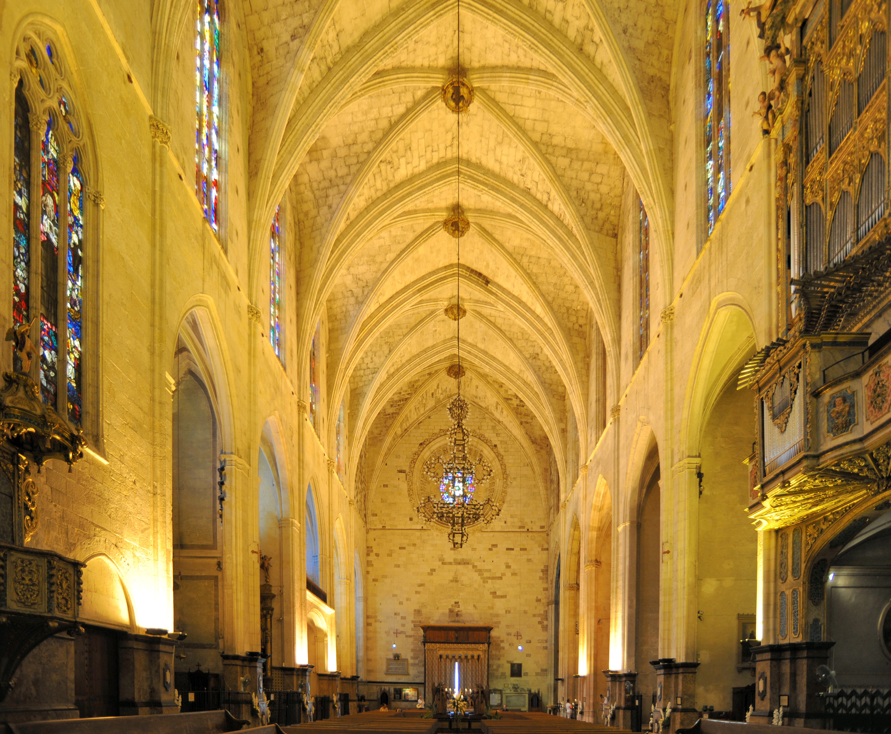 The old city of palma de mallorca the franciscan monastery for The franciscan