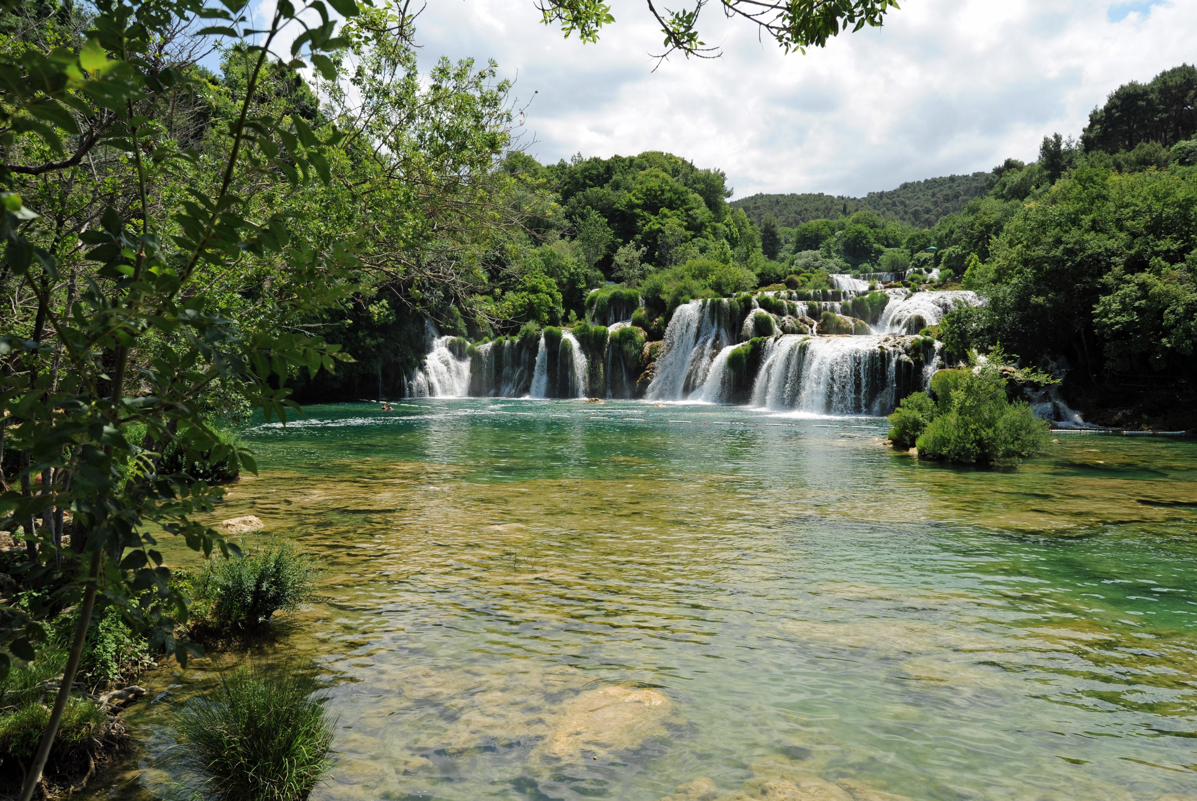 La rivi re krka en croatie les cascades de skradin - Image de cascade ...