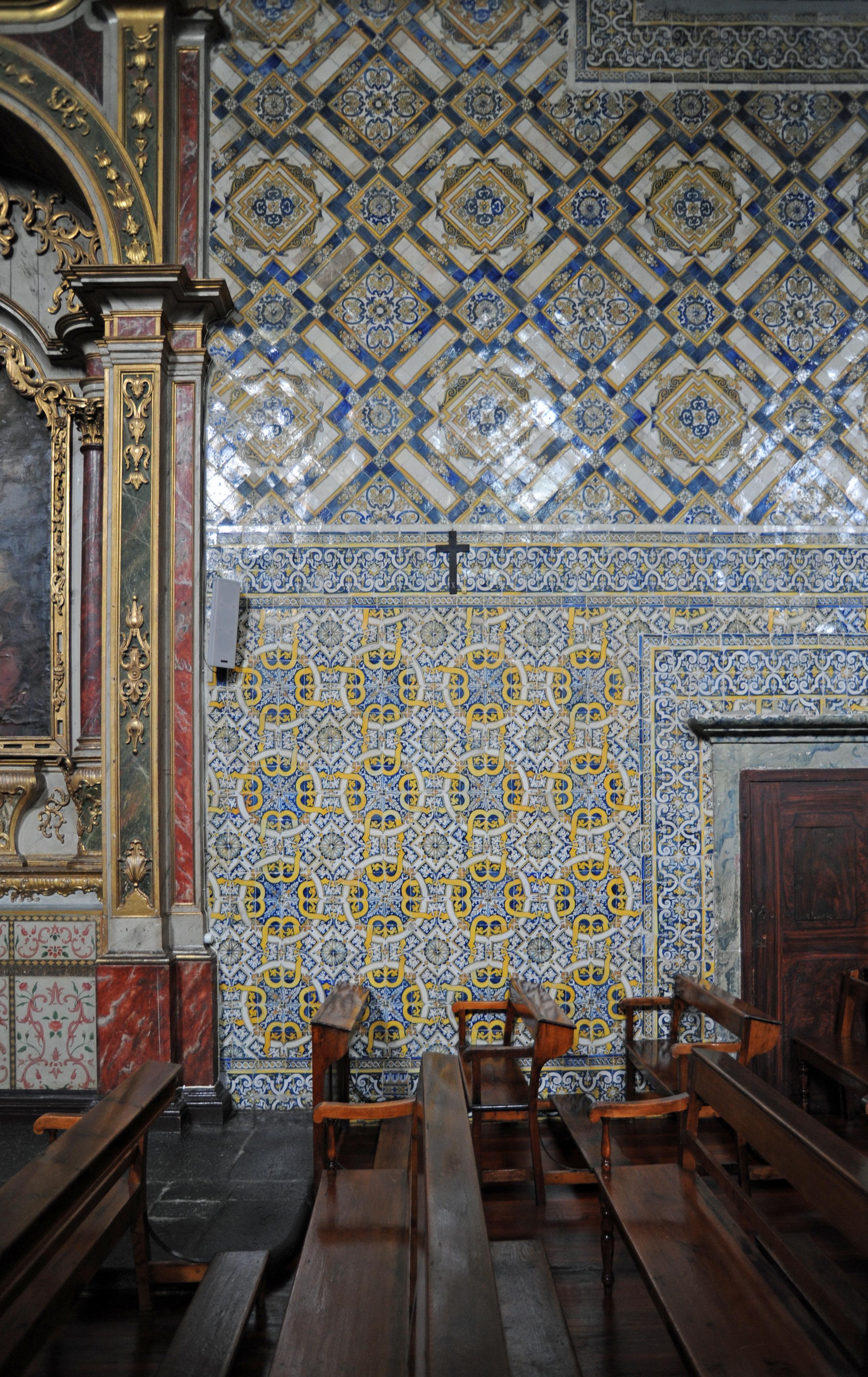 La ville de funchal mad re le monast re sainte claire for Interieur d un couvent streaming