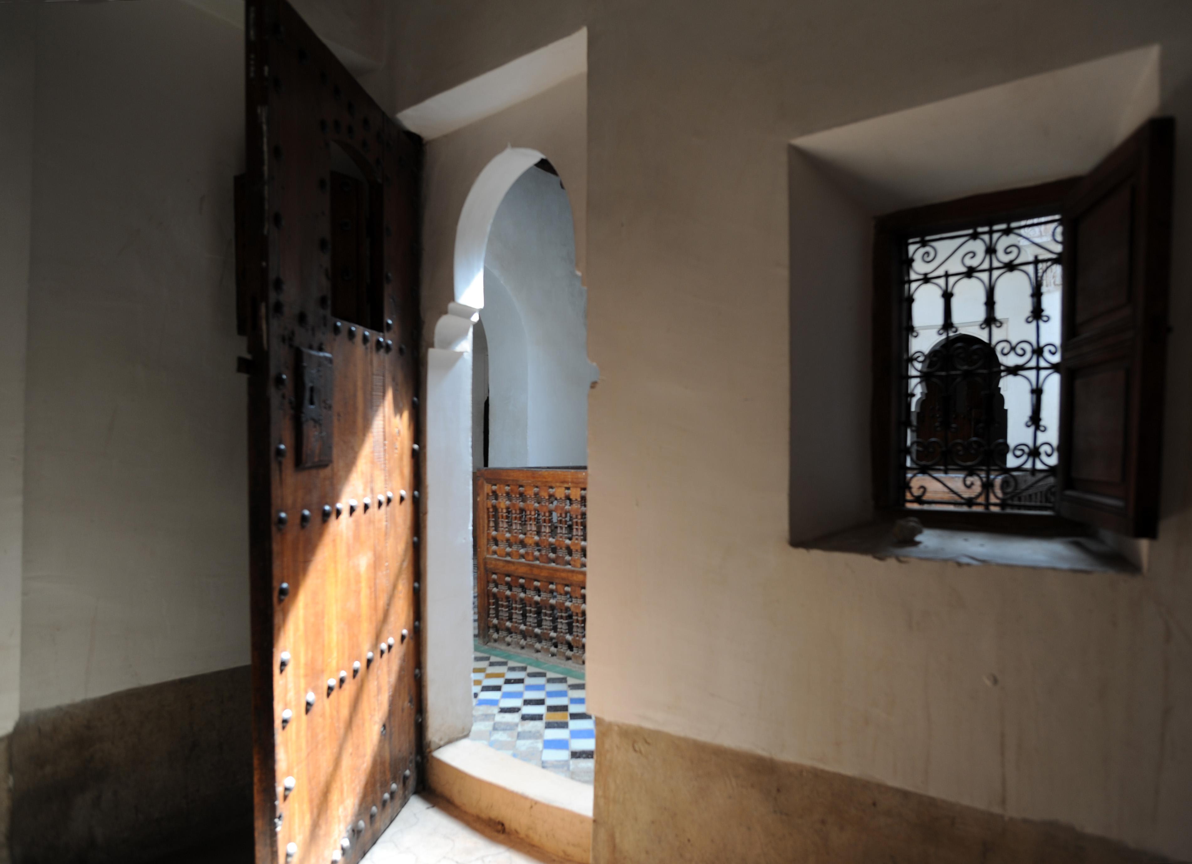 La m dersa ben youssef marrakech au maroc for Fenetre sur cour casablanca