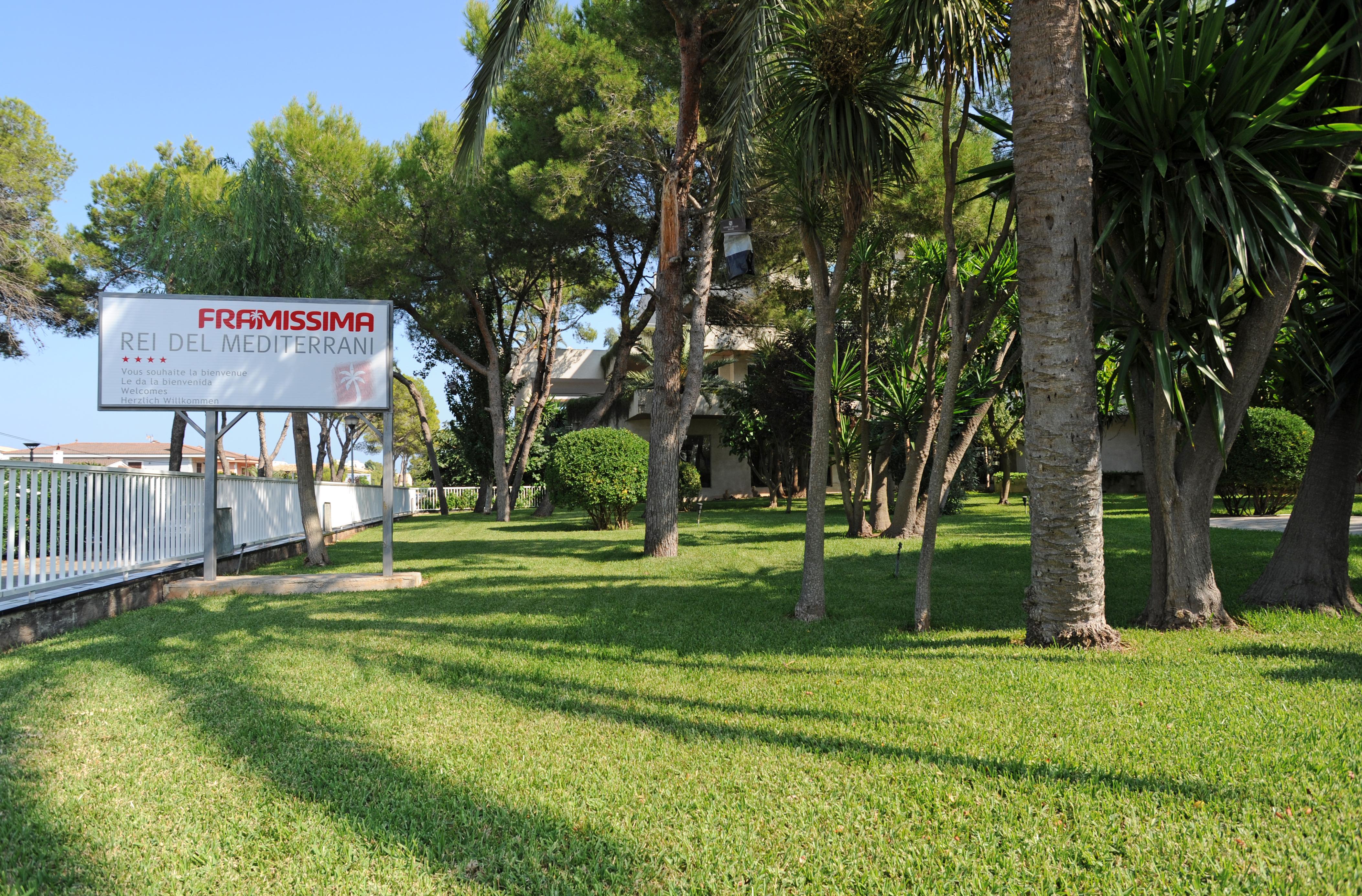 Le village de platja de muro majorque for Hotel jardines de bilbao