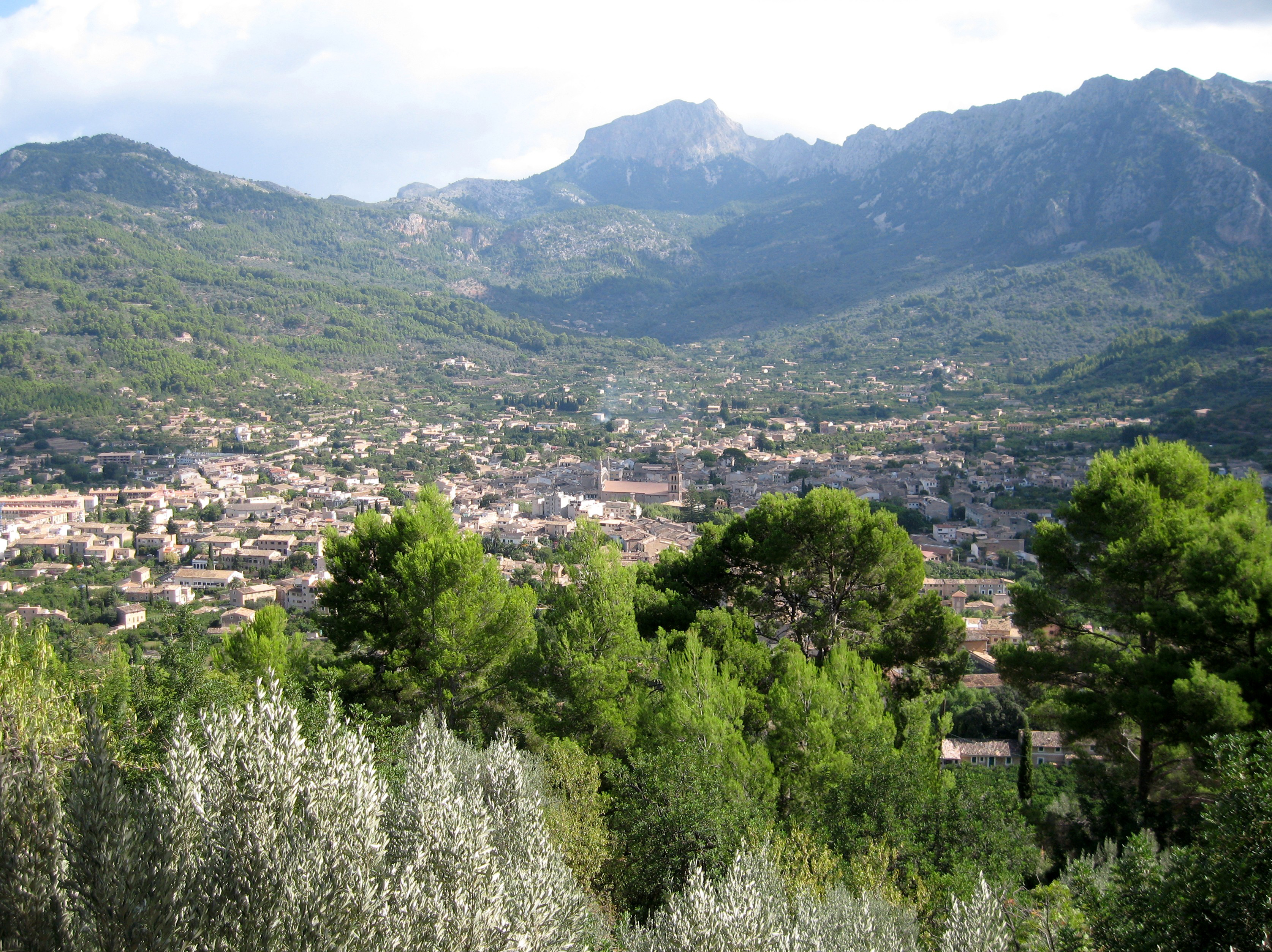 The town of Sller in Majorca