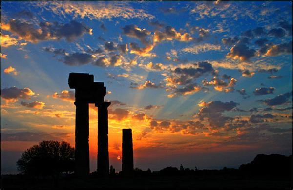 La ville antique de rhodes - L heure du coucher du soleil aujourd hui ...